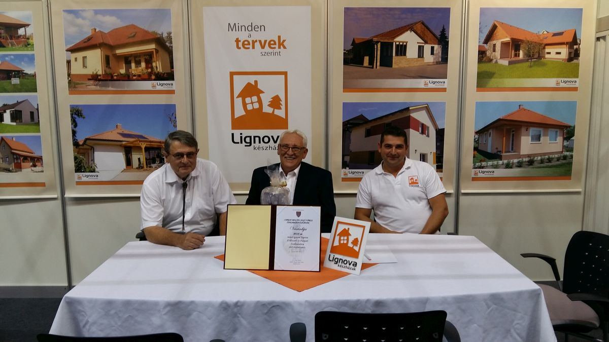 Innolignum vásárdíjas a Lignova készházak
