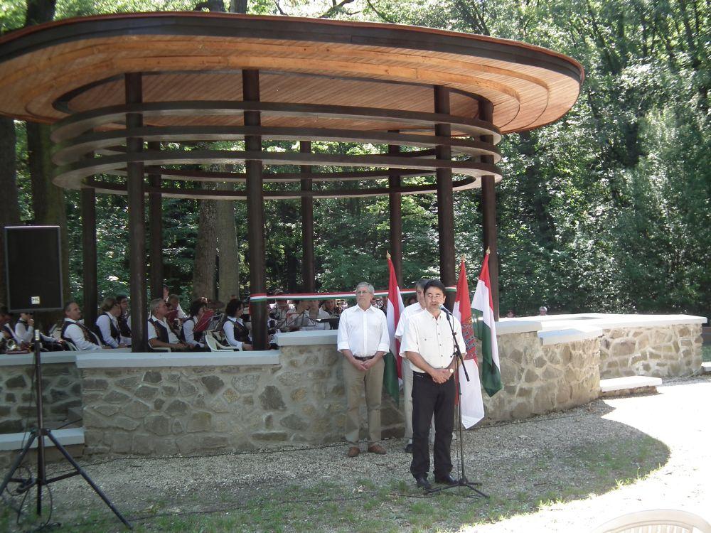 Felújított Zenepavilon átadása